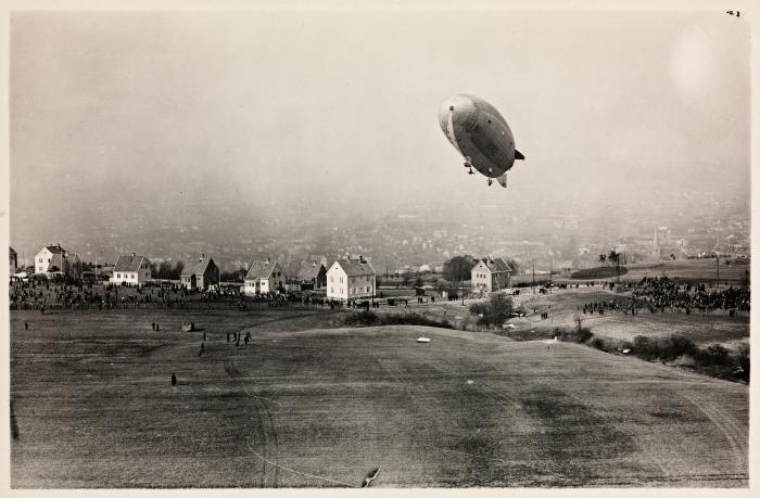 Luftskipet Norge over Ekeberg, 14. april, 1926. Kilde: Wikimedia Commons